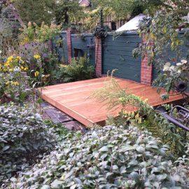 Terrasenbau – Kleine Holzterasse